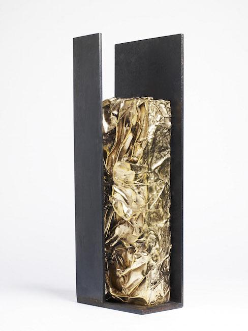 Nuova nascita, 2009, ferro, bronzo, 40 x 14 x 8 cm