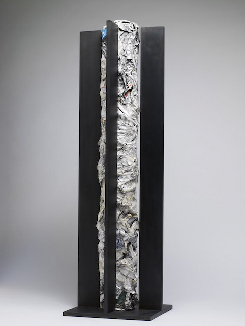 Nuova nascita, 2009, ferro e polimaterico, 71 x 22 x 20 cm